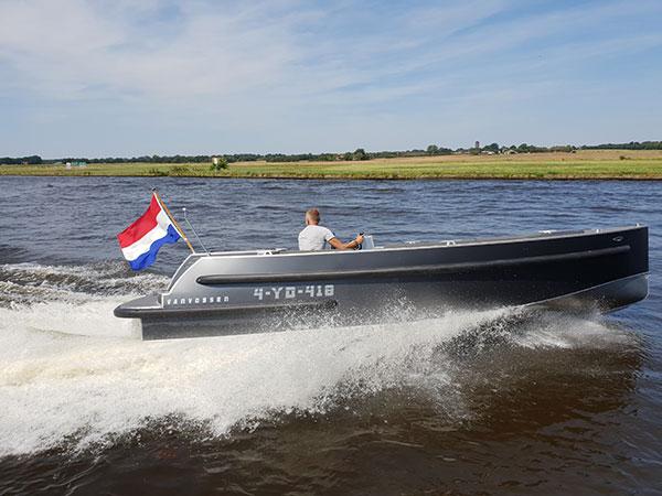 VanVossen Tender 700