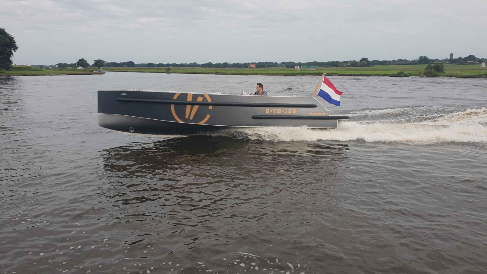 VanVossen Tender 777