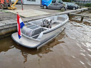 Van Vossen aluminium boot 595