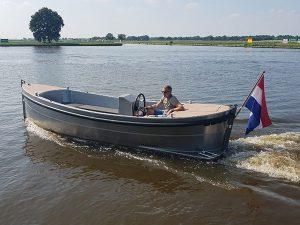 VanVossen Sloep 550