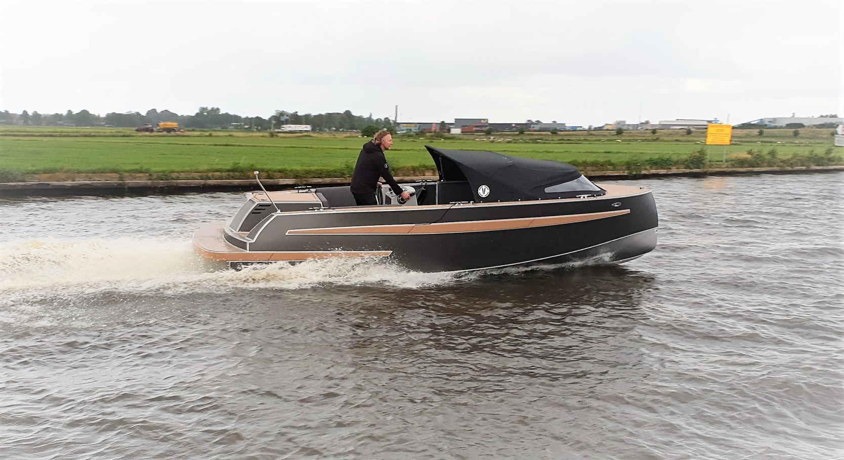 VanVossen Tender 650 Sport