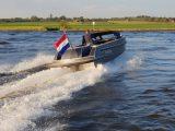 snelle sport 888 tender vanVossen - achteraanzicht varend
