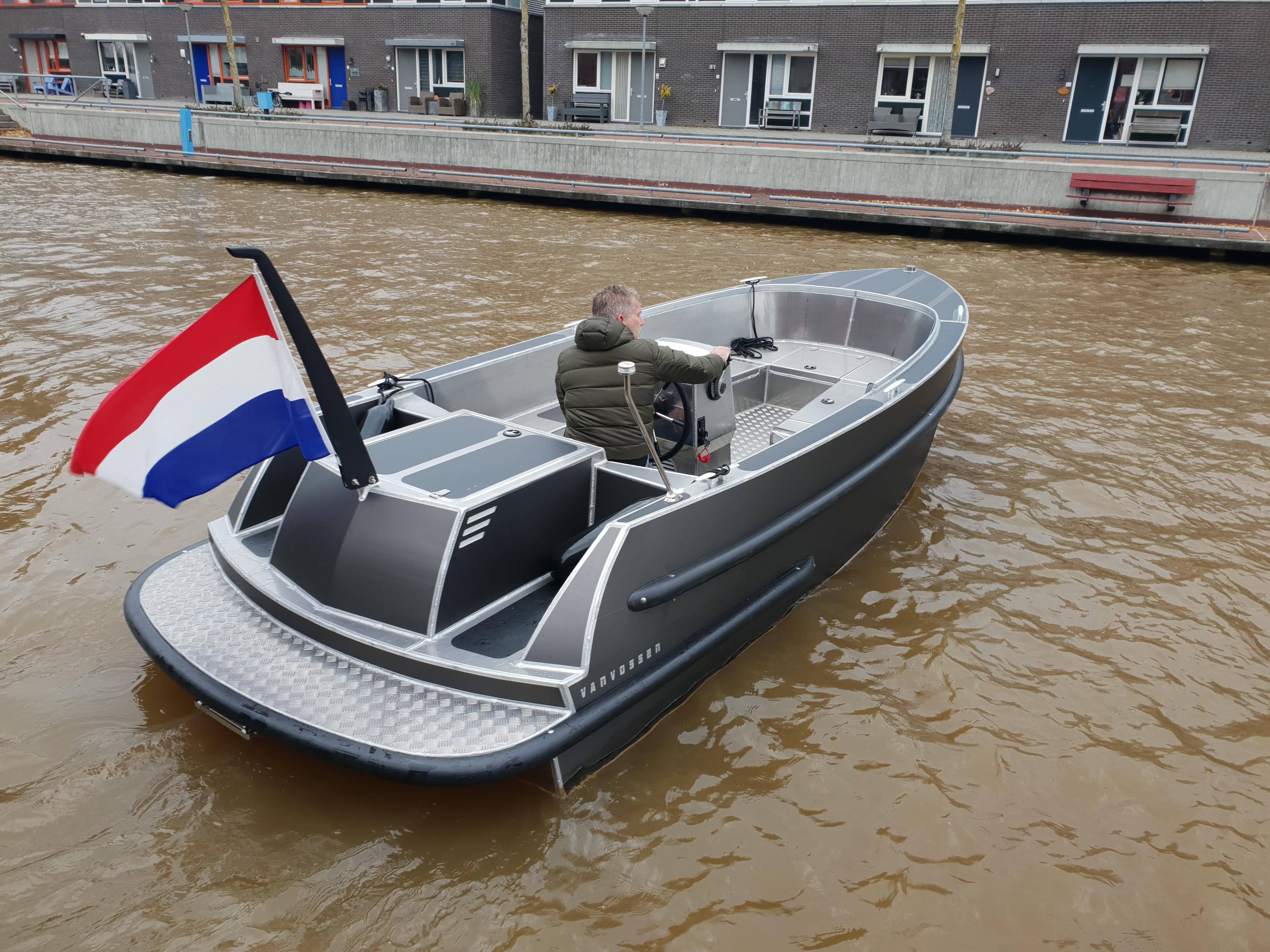 VanVossen Tender 600