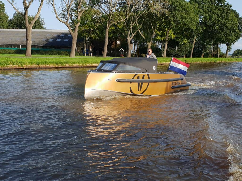 VanVossen 700 sport getest door Watersport TV