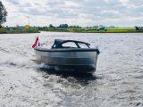 Sloep 550 Sport voorkant Van Vossen Tenders