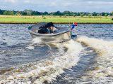 Sloep 550 Sport Van Vossen Tenders zijkant achter